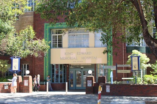 King_Edward_Memorial_Hospital_for_Women_-_Block_A,_Main_Entrance