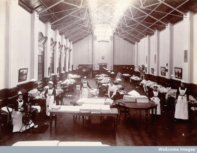 L0027368 Claybury Asylum, Woodford, Essex: a linen room. Photograph b
