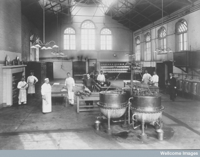 L0027369 Claybury Asylum, Woodford, Essex: a kitchen. Photograph by t