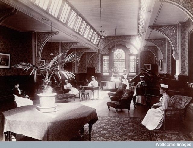 L0027371 Claybury Asylum, Woodford, Essex: a nurses' day-room (?). Ph