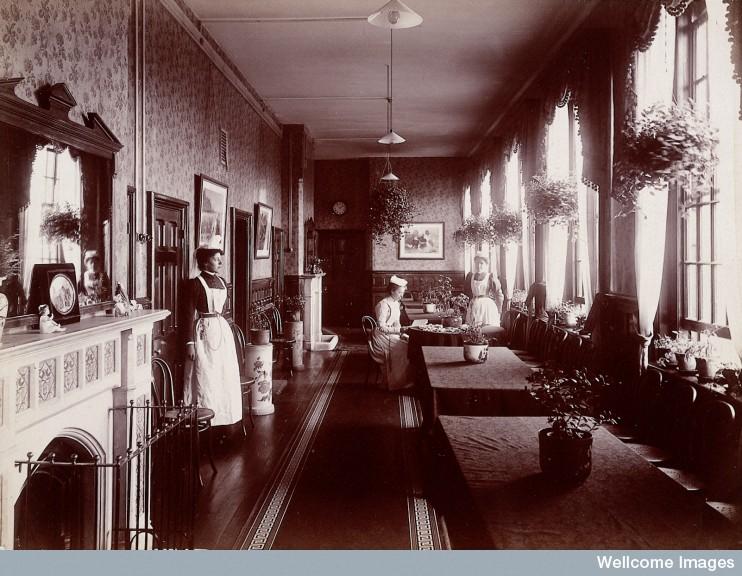 L0027372 Claybury Asylum, Woodford, Essex: a nurses' day-room (?). Ph