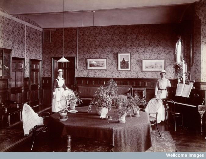 L0027374 Claybury Asylum, Woodford, Essex: a social room (?). Photogr