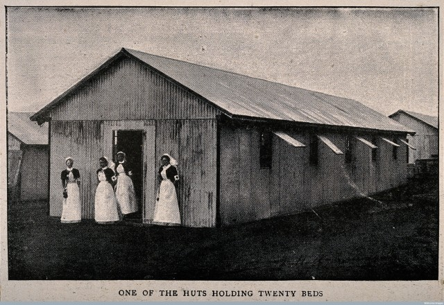 V0015643 Boer War: a temporary hospital hut at Netley with four nurse