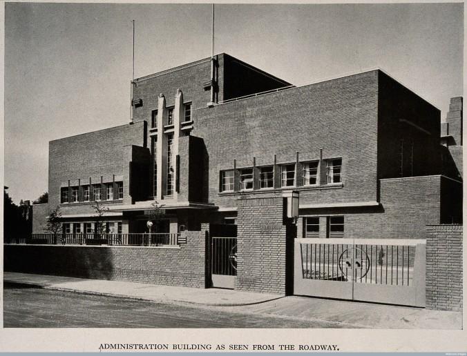 V0014883 Royal Masonic Hospital, London: three-quarter view of the ad